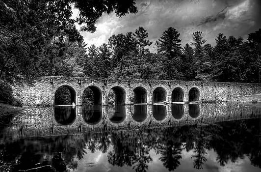 Cumberland Park Bridge by Thom Tapp