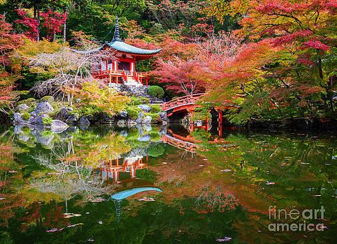 Daigoji Temple in Japan by Noppakun Wiropart
