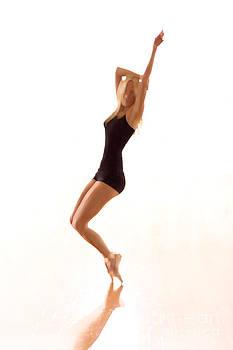 Dancer En Pointe by Philip Payne