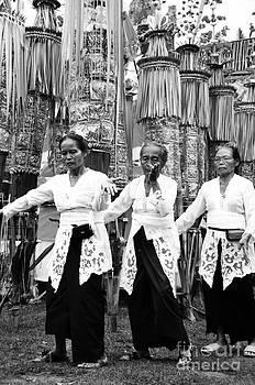 Dancing around by Wayan Suantara
