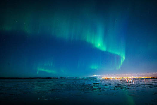 Dancing Aurora by Roger Clifford