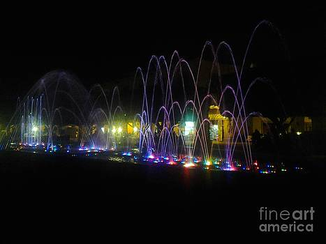 Dancing Fountains 2 by Nyna Niny