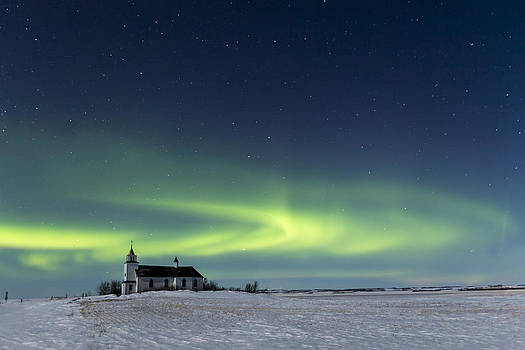 Dancing Northen Lights by Gerald Murray Photography