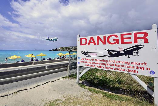 Matt Swinden - Danger Landing Aircraft
