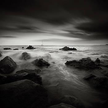 Danger by Piotr Belcyr