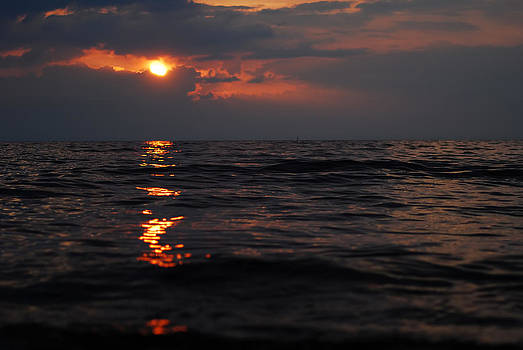 Gynt   - Dark sunset