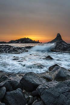 Dawn in Acitrezza by Marco Calandra