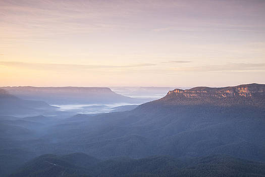 Dawn in the Blue Mountains from Sublime Point by Joe Wigdahl