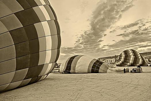Kantilal Patel - Daybreak blowing a Hot Air Balloon