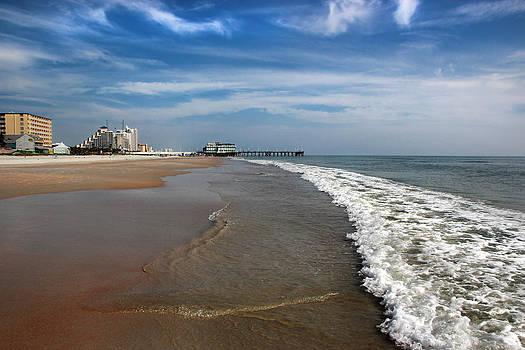 Daytona Beach by George Ferreira