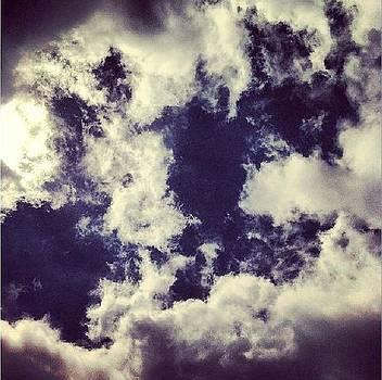 Dazed sky  by Wyn Charlery