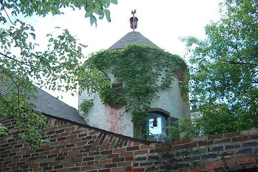 De I V tower  by William  James