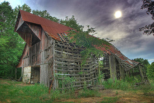 Decaying Barn by Perry Harmon
