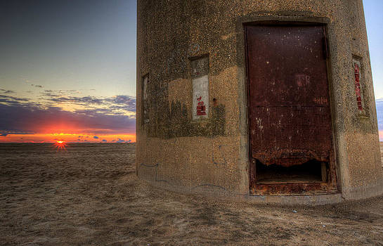 Delaware Lookout Tower by David Dufresne
