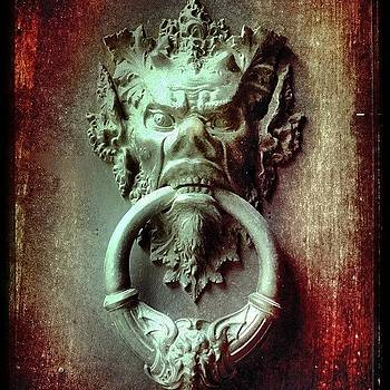 #demon #door #italy #firenze by Francisco  Quiroz