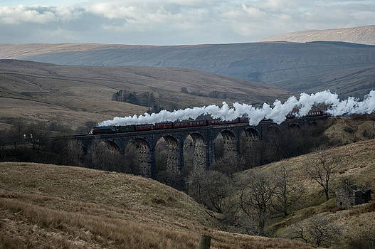 Dent Head Viaduct by Martyn Garrett
