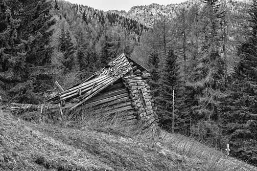 Thomas Schreiter - derelict cabin