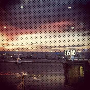 #detroit #airport #sun #horizon by Hugo Lemes