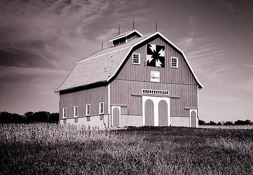 DeWitt County Barn B and W by Virginia Folkman