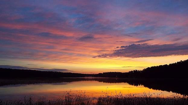 Diamond Lake Dawn by Cindy Croal