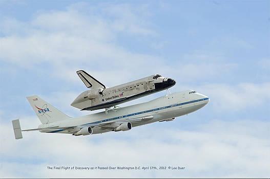 Lee Duer - Discoverys Final Flight