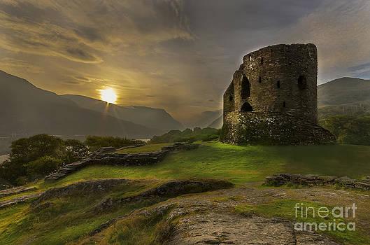 Darren Wilkes - Dolbadarn Castle Sunrise