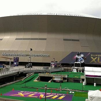 Domingo De Superbowl New Orleans by Roberto Carlos
