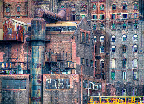 Domino Sugar by Alfredo Machado