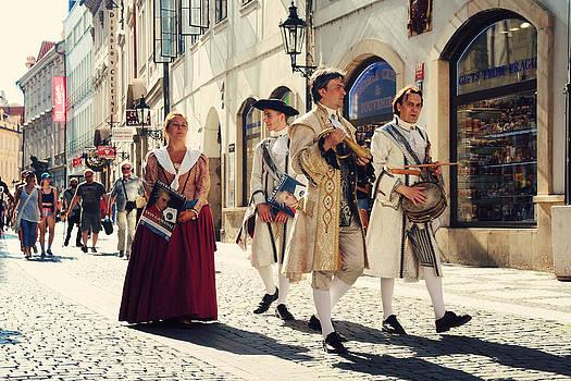 Jenny Rainbow - Don Giovanni on the Street of Prague