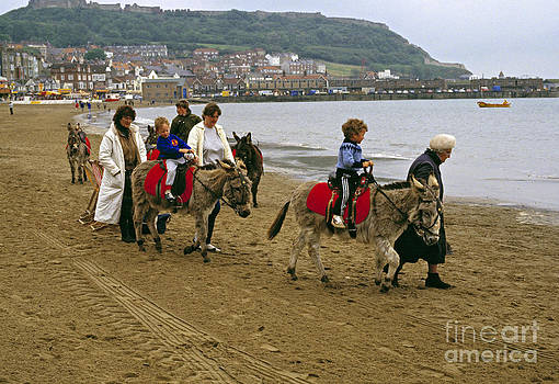 Donkey Ride GB 1980s by David Davies