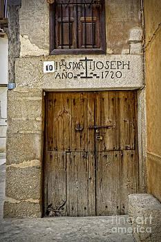 Dee Flouton - Door Year 1720