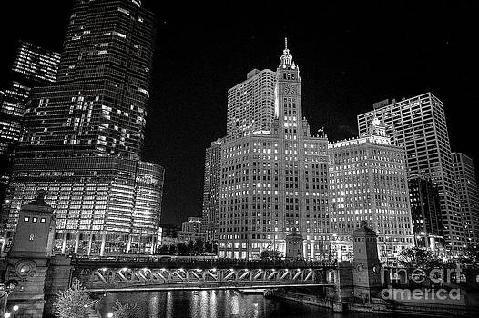 Downtown Chicago Night by Jason Feldman