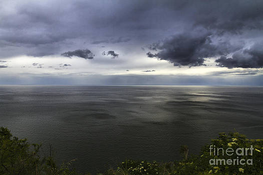 Dramatic seascape from promontory by Pier Giorgio Mariani