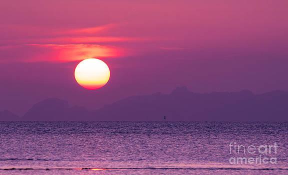 Dramatic Sunset  by Jantima  Cha