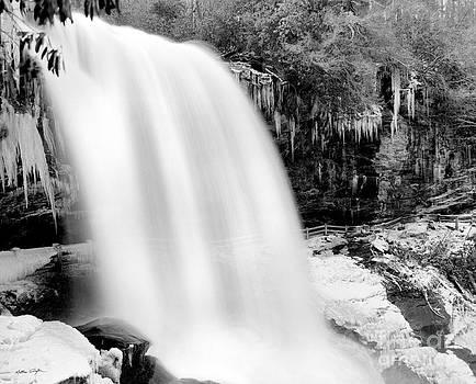 Dry Falls Winter 2006 by Matthew Turlington