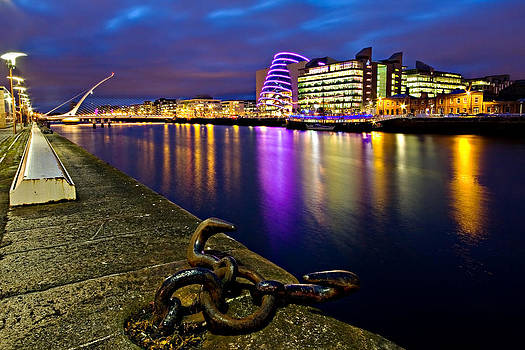 Dublin Docklands at Night / Dublin by Barry O Carroll