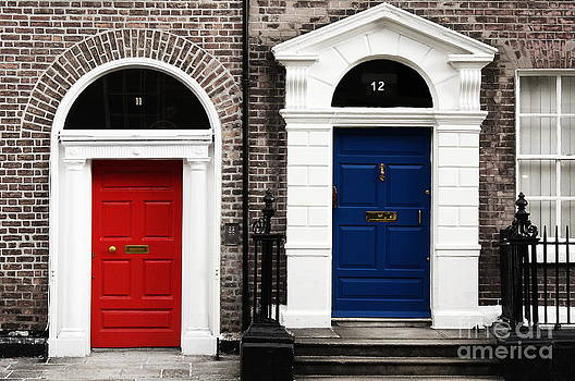 Dublin red-blue pair of doors by Giuseppe Ridino