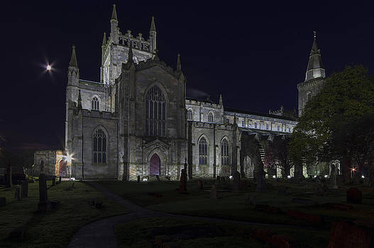 Ross G Strachan - Dunfermline Abbey by Night 1 of 6