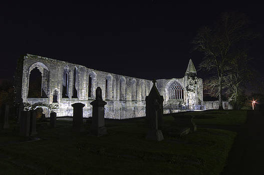 Ross G Strachan - Dunfermline Abbey by Night   The Palace   6 of 6