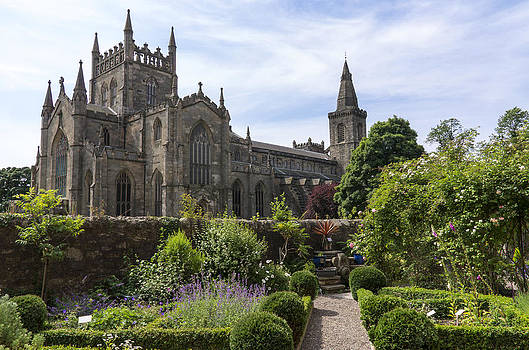 Ross G Strachan - Dunfermline Abbey from The Abbot House