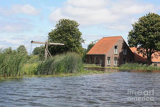 Danielle Groenen - Dutch House on the Canal