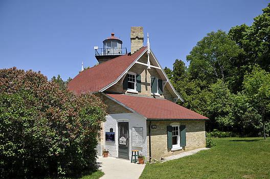 Eagle Bluff Light House by Hans Castleberg