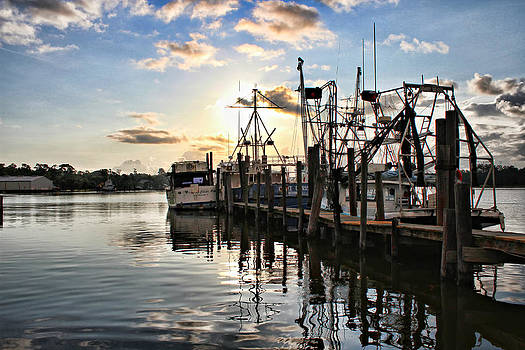 Early Morning at Billy's Seafood by Lynn Jordan