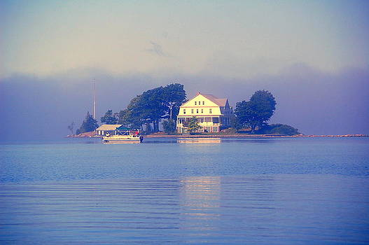 Linda Rae Cuthbertson - Early Morning Fog at Watch Island