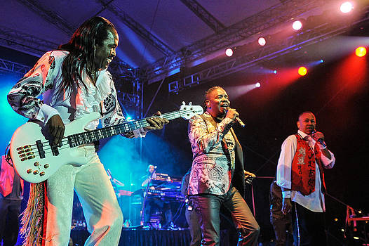 Earth Wind and Fire by Jerry Frishman