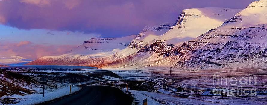 Julia Apostolova - Eastern Iceland Mountain Pass