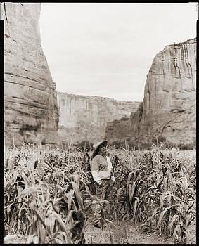 Eddie Draper - Canyon de Chelly by Gary Auerbach