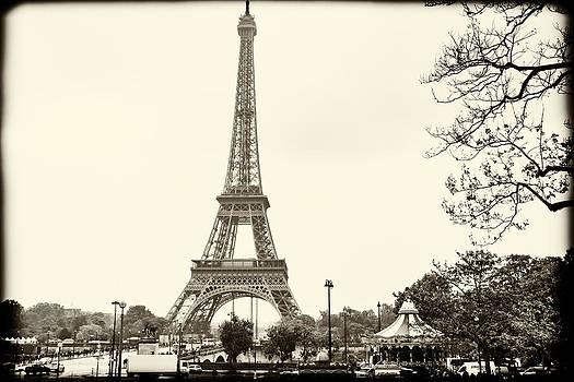 Georgia Fowler - Eiffel Landscape