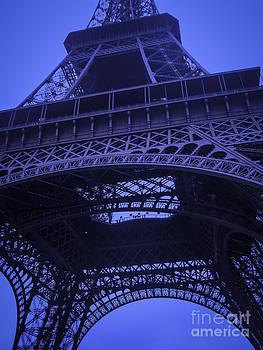 Eiffel tower by Brian R Tolbert