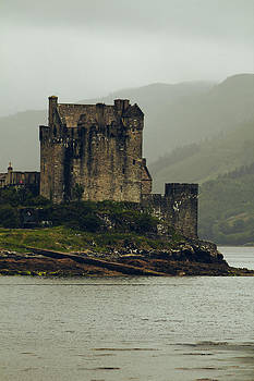 Eilean Donan Castle by Anthony Bean